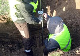 Measuring the soil strength in borehole made under airfield pavement